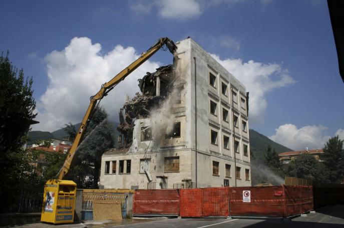 Demolscavi - Fasi finali della demolizione